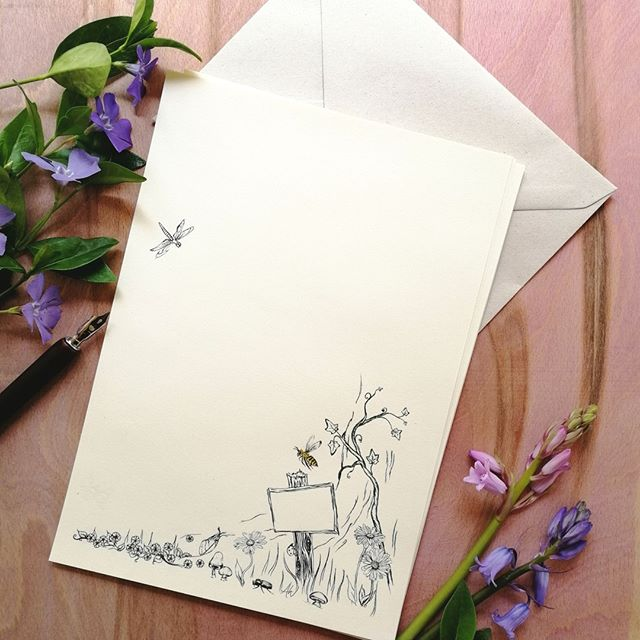 Ivory woodland stationery