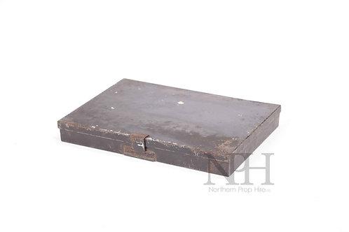 Metal artist box