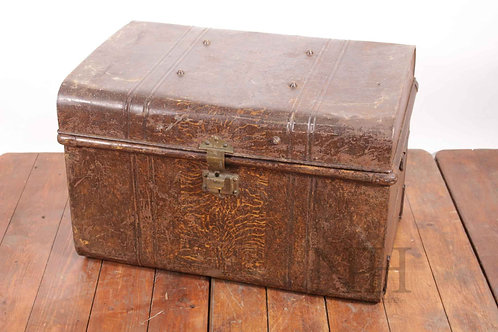 Domed tin trunk