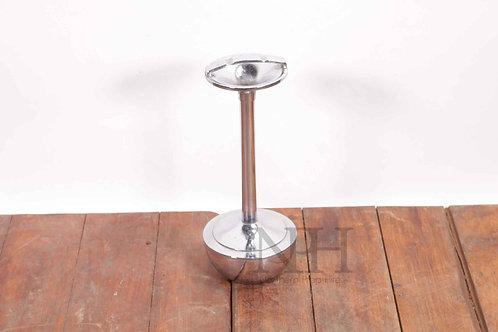 Floor ashtray
