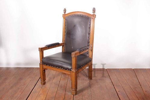 Large oak thrones