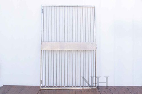 Bank gate