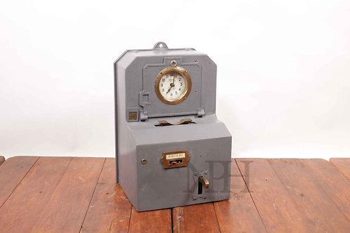 Clocking in machine