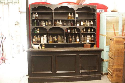 Apothecary shop unit