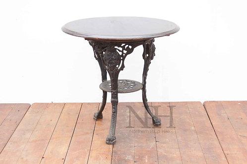 Britannia pub table