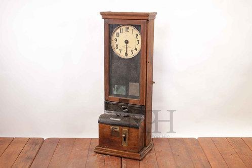 Antique clocking in machine