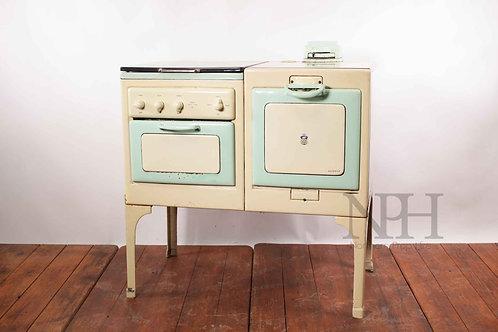 Cream & green cooker