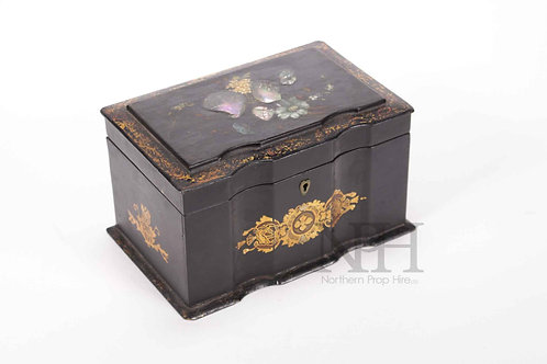 Japanned box