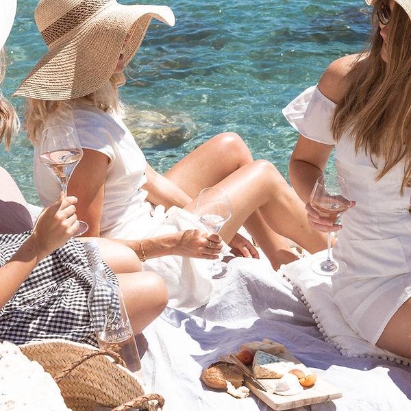 mirabeau-en-provence-beach-picnic-south-of-france