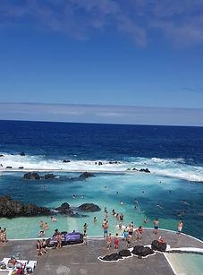 Descubre el oeste y las piscinas de lava