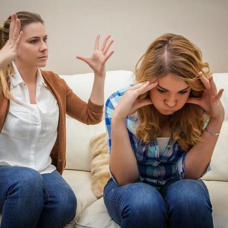 3 tipos de comunicação entre pais e filhos adolescentes