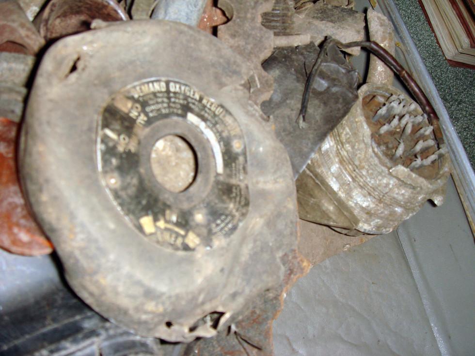 items-from-crash-site_2701849857_o.jpg