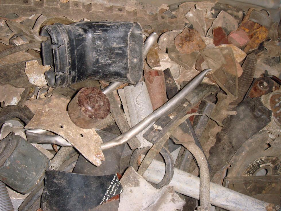 items-from-crash-site_2701850513_o.jpg