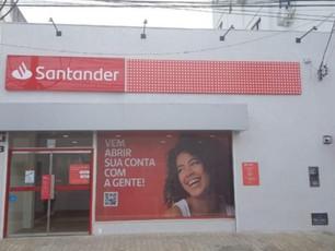 Banco Santander inaugura agência em Valença