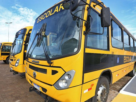 Camamu, Igrapiúna, Aratuípe e Jaguaripe recebem ônibus escolares em evento em Salvador