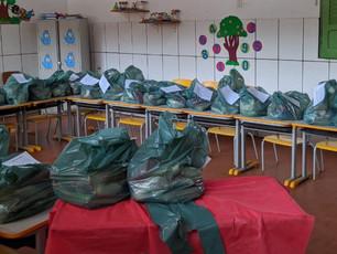 Nilo: Prefeitura distribuiu kits de alimentação escolar para alunos carentes
