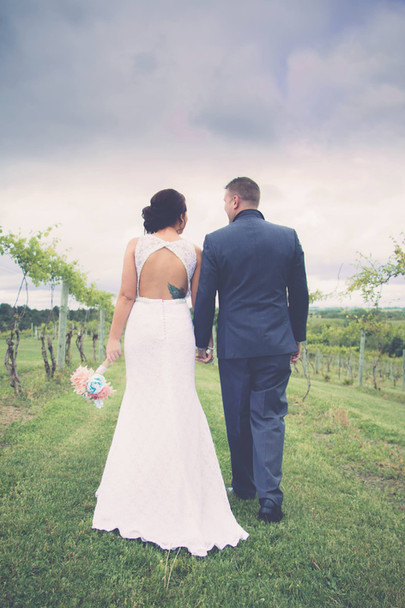 Wedding Photos in the Vineyard