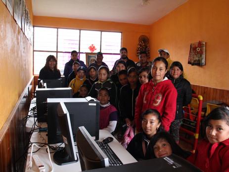 Instituto Thomas Jefferson - Campus México dona laboratorio de computo con conexión a Internet.
