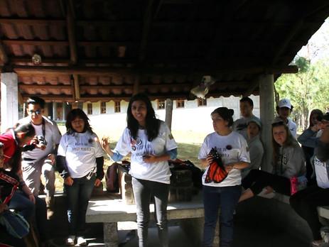 El reencuentro de dos mundos; nuestros amigos Monarca visitan la Reserva de la Biosfera Mariposa Mon
