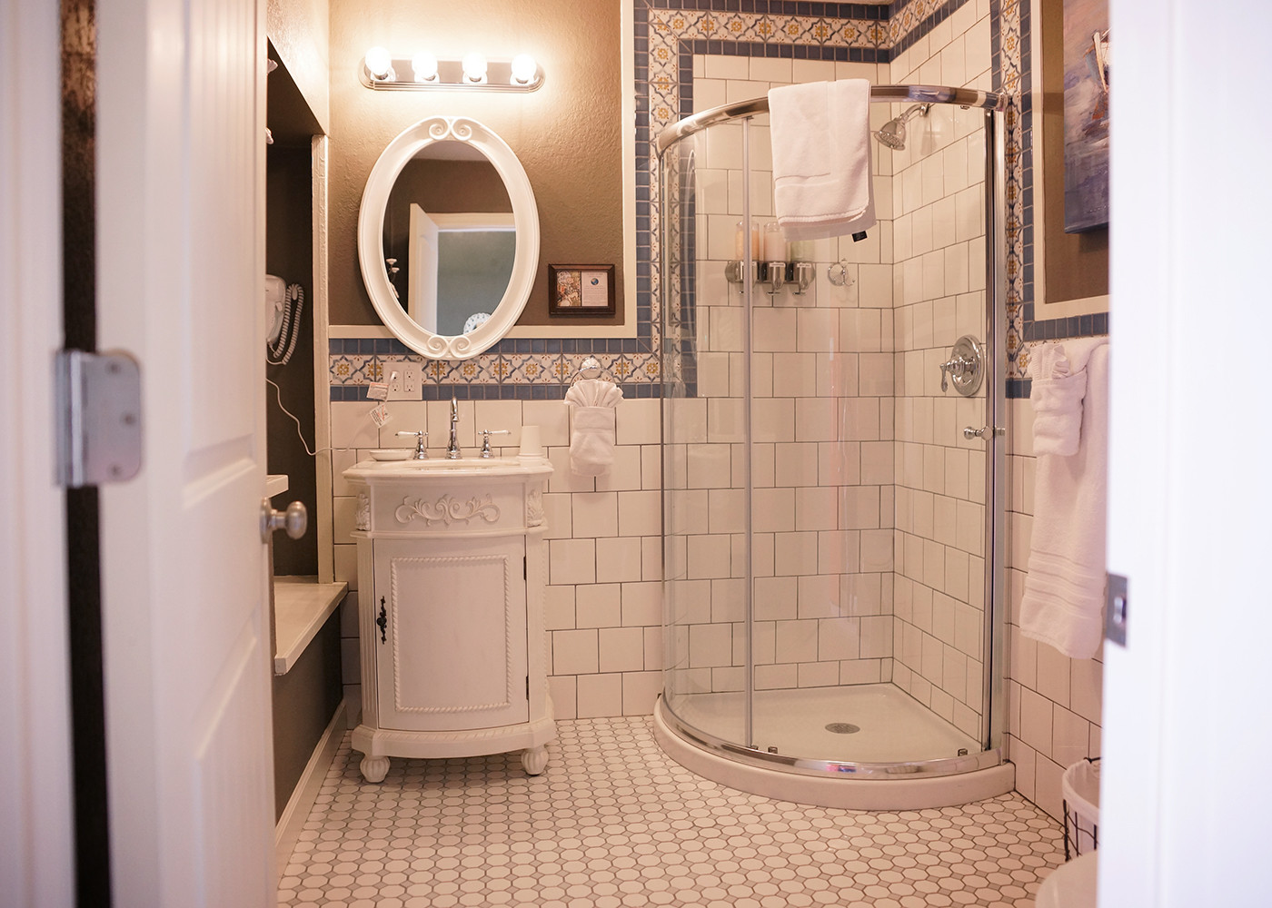 """""""I wanted to pack up this bathroom and make it my own."""""""