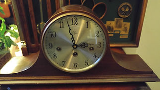 Vintage Elgin Mantel Clock.jpg