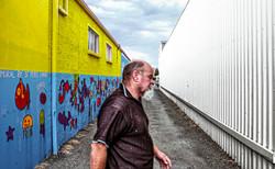 New Zealand_Mural sandwiched man_DEC 201