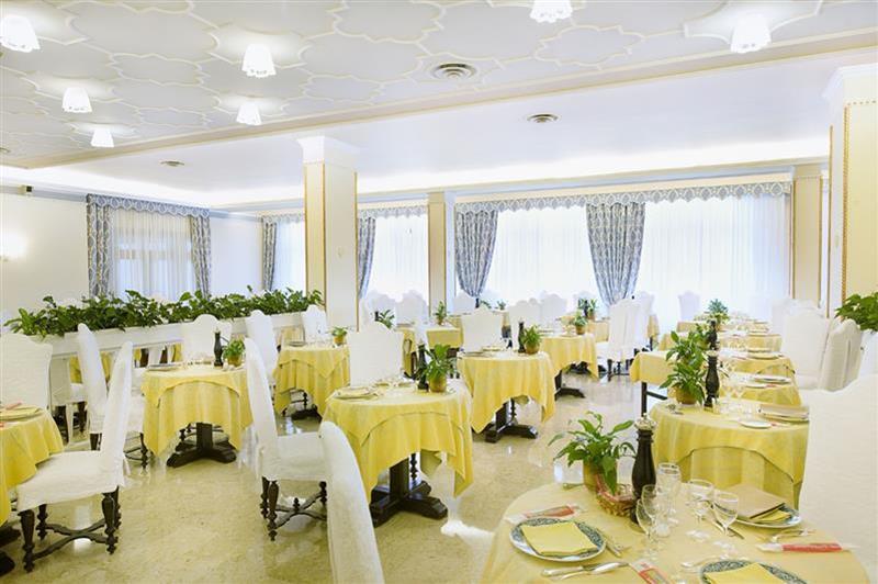 131_sala-ristorante_Phrot_Img