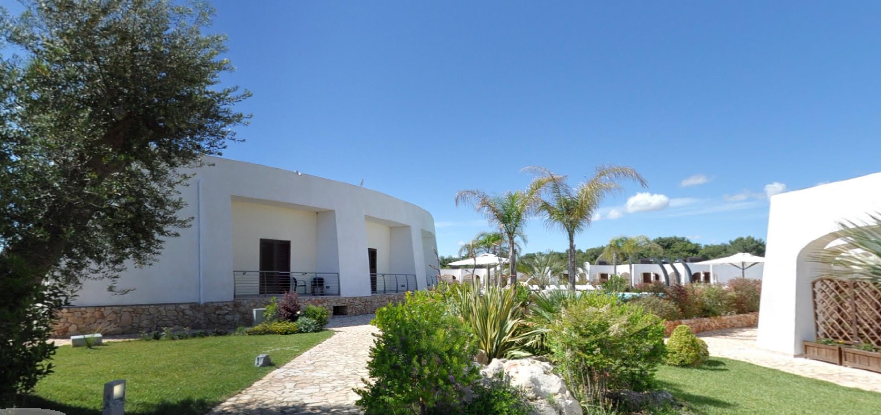 esterno5-la-casarana-resort-spa-salento
