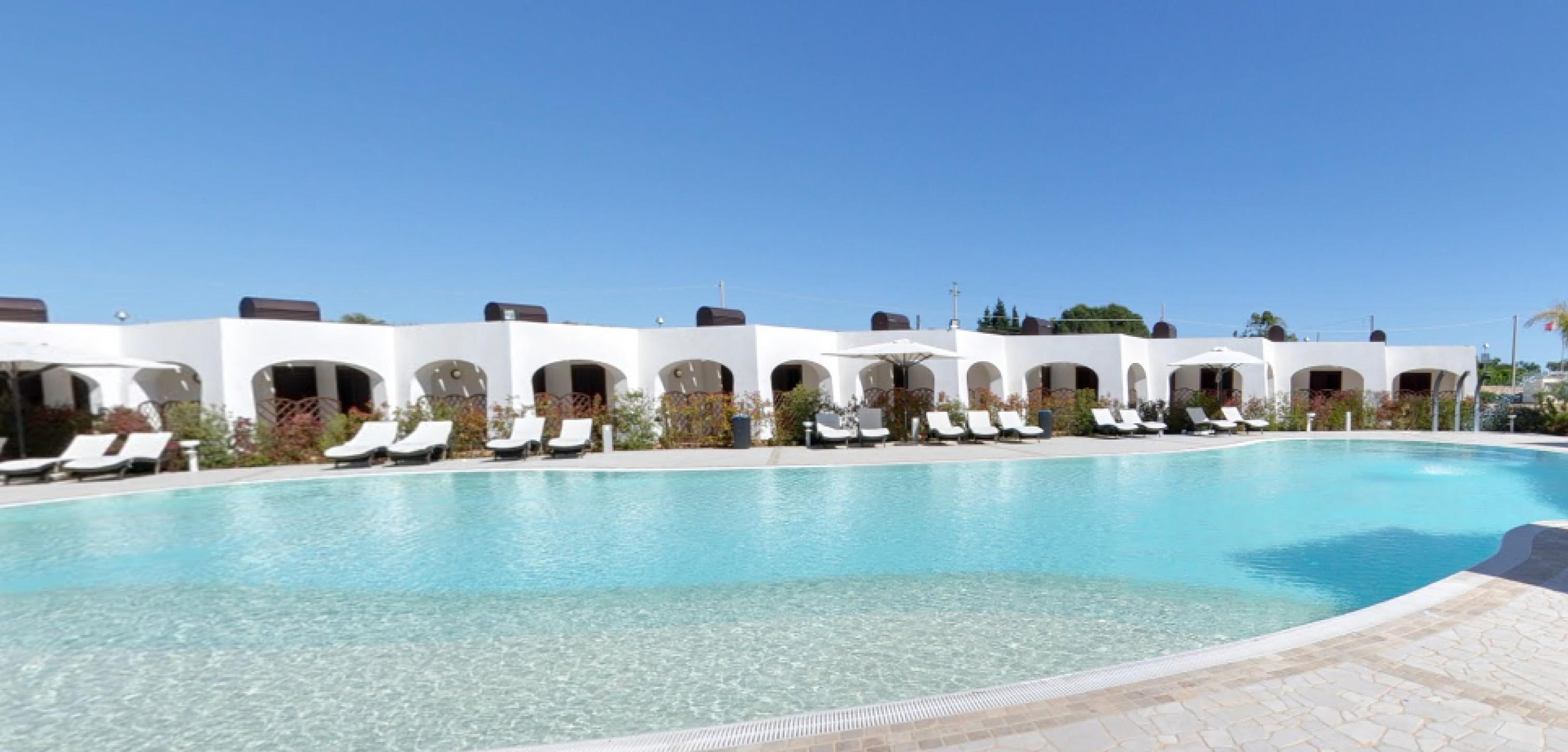 piscina2-la-casarana-resort-spa-salento
