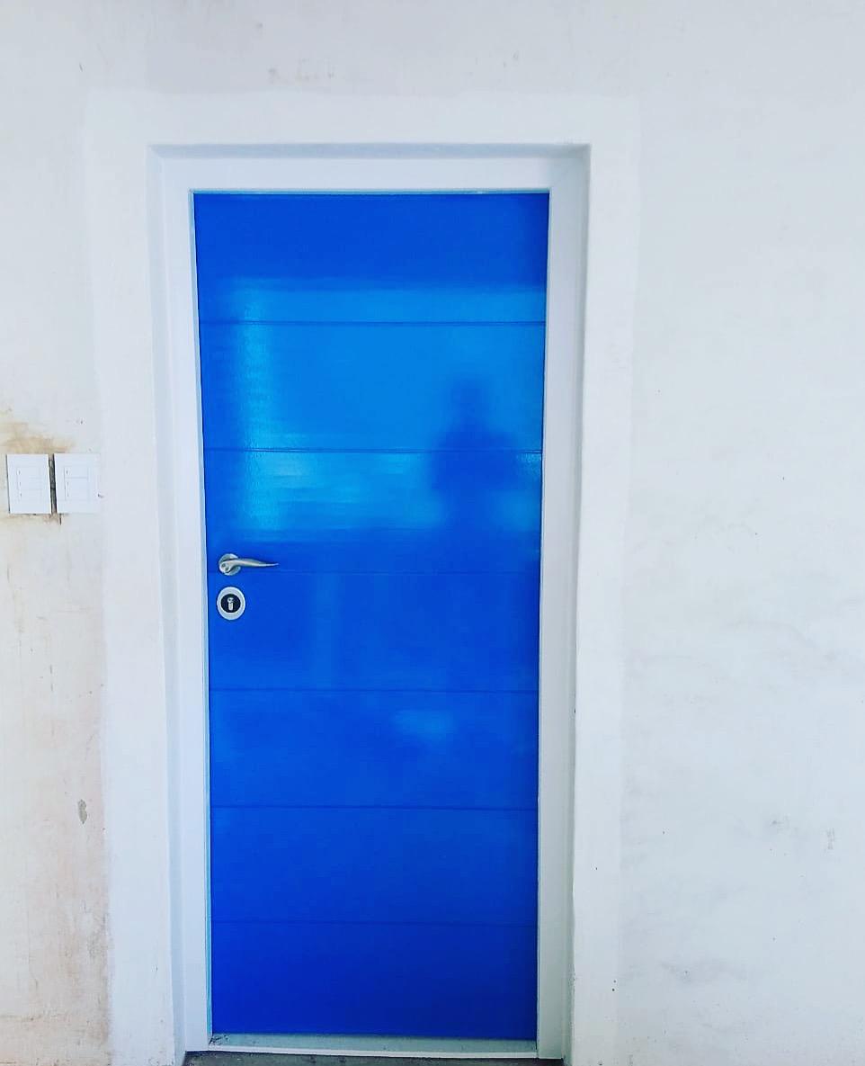 Blue finishes