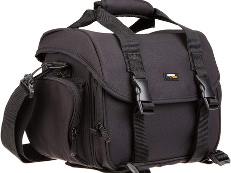 Review Of The AmazonBasics Large DSLR Gadget Bag (Orange interior)