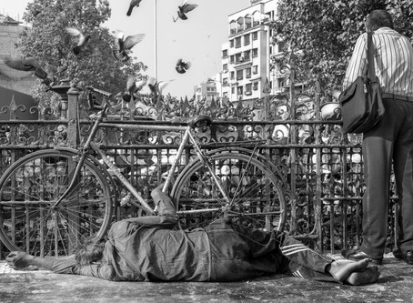 Street Photography In India: Contradictions Abound