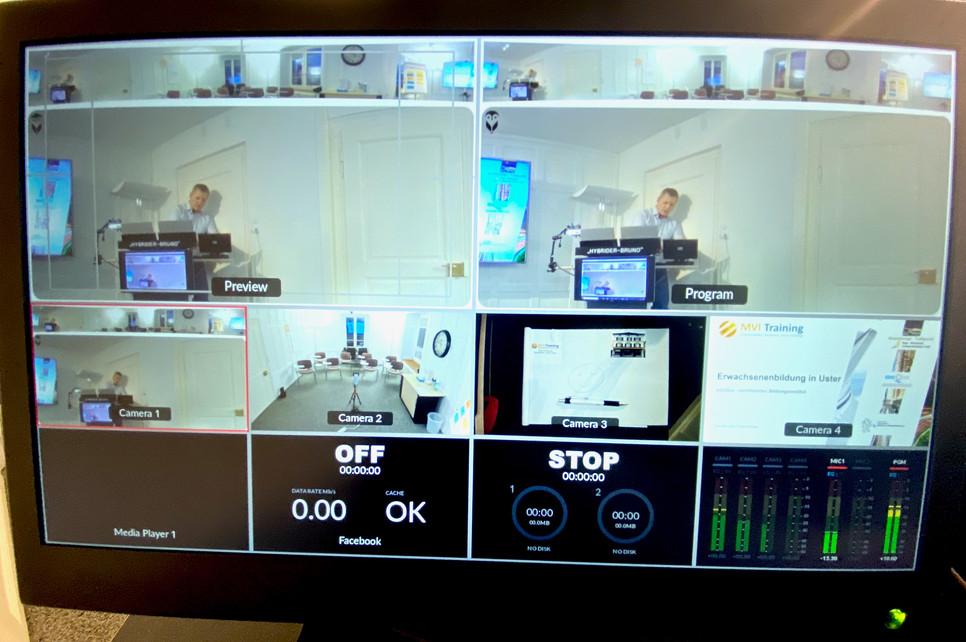 Monitor zur Anzeige der gewählten Quellen und Einstellungen. Diese zentrale Steuereinheit macht es möglich zwischen verschiedenen Kamera- und Tonquellen zu schalten oder zu mischen. Auch eine Bild-in-Bild Funktion ist möglich, die zusätzliche Information vermitteln kann.
