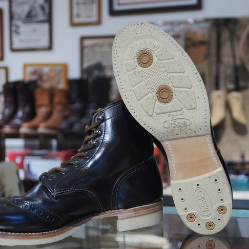 < Bench-Re-Built: Red Wing Brogue Ranger 8126 >
