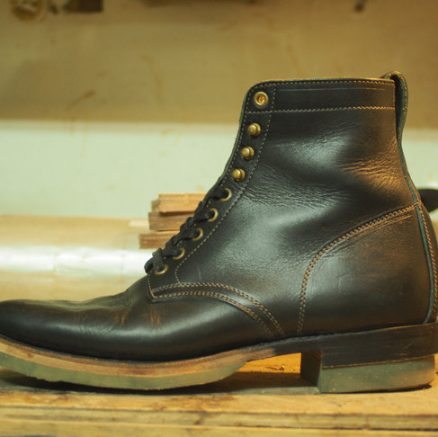 < Bench-Re-Built: Clinch Lace up Boots >