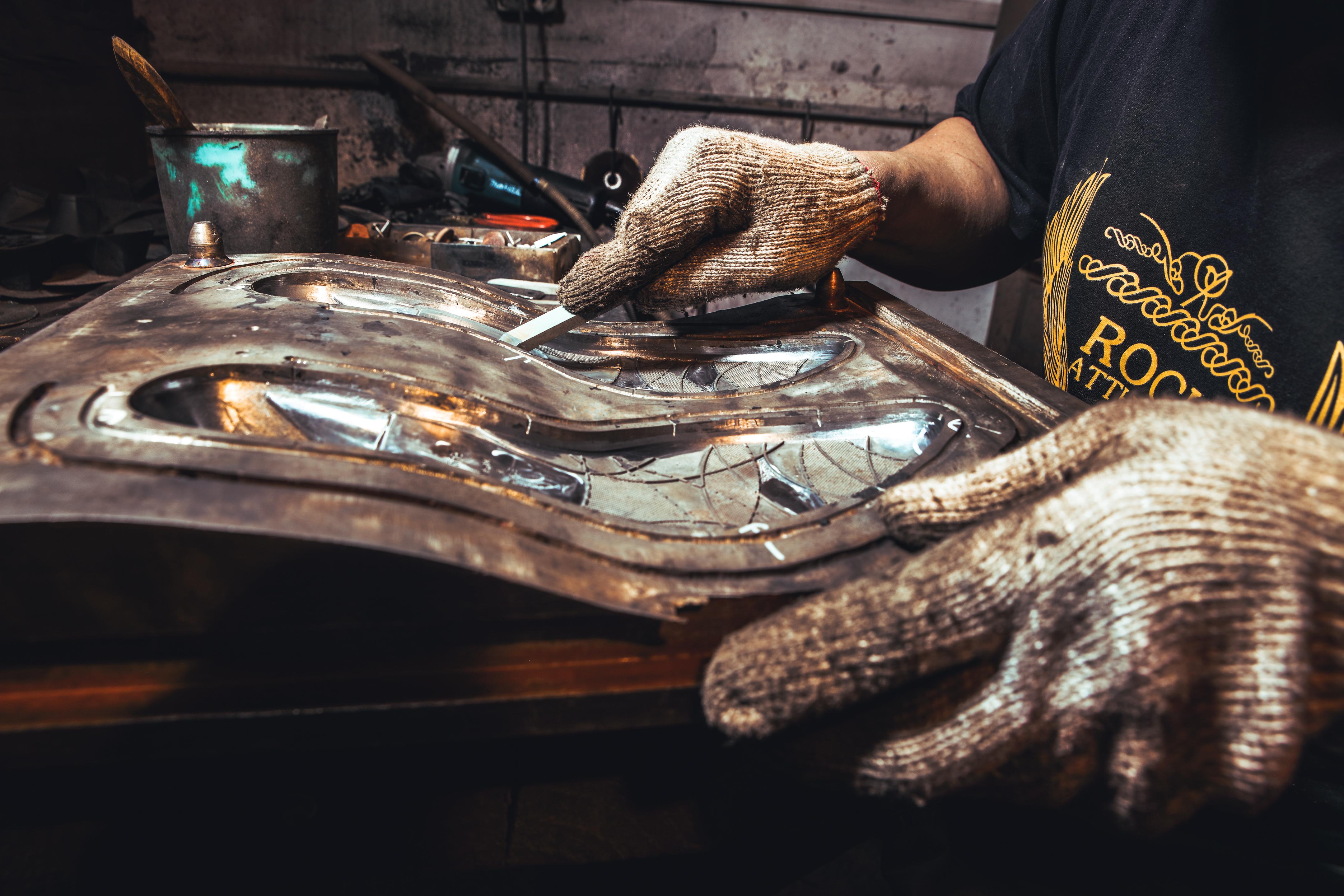 make shoe sole mold