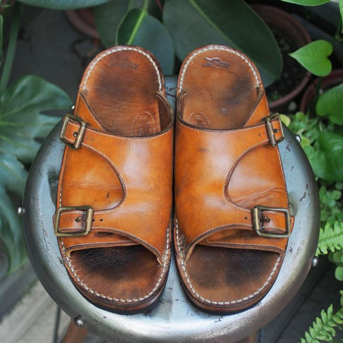 < Bench-Re-Built: Tokyo Sandals >