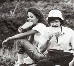 Susanna Cambi and Stefano Baldi at a picnic