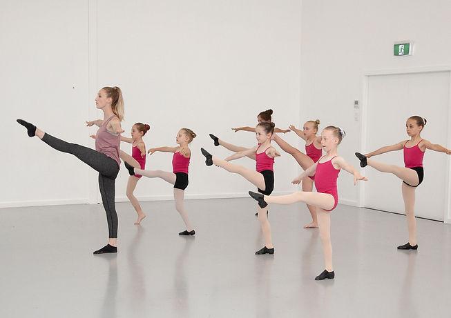 Ballet%20Stars%20Promo%20Shoot%202019-5690-Edit_edited.jpg