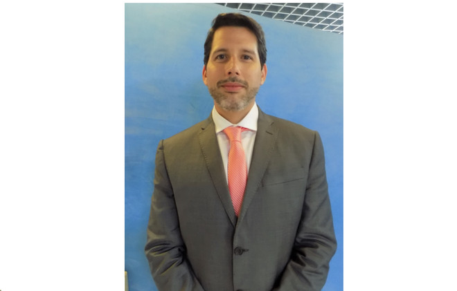 Dr. Juan Carlos Velez Roman