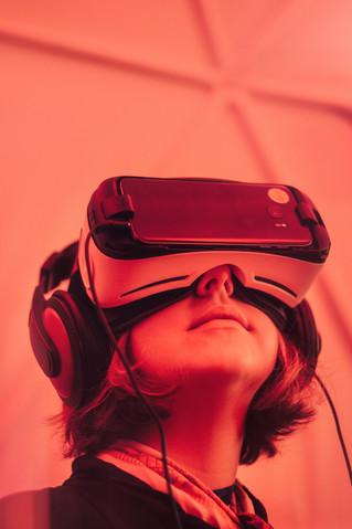 ما يريد الباحثون من المعلمين معرفته حول المخاطر الصحية للواقع الافتراضي