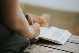 3 نصائح لتضمين التعلم الاجتماعي العاطفي مع تعليم القراءة والكتابة اليومي