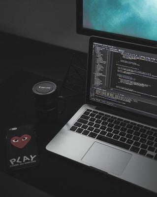نظام لينكس مقابل يونكس، ما الذي يميّز أحدهما عن الآخر؟  تعمّق في معرفة الاختلافات بين نظاميّ التشغيل