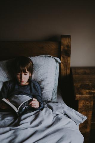 يمكن أن يُحسن الاستمتاع بالقراءة بعكس آلية القراءة العادية من مهارة القراءة والكتابة عند الفتيان