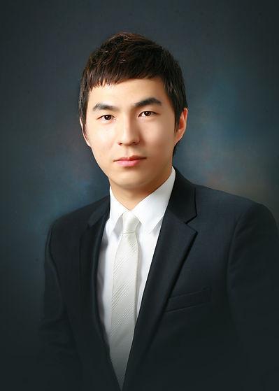Minho Yoon.jpg
