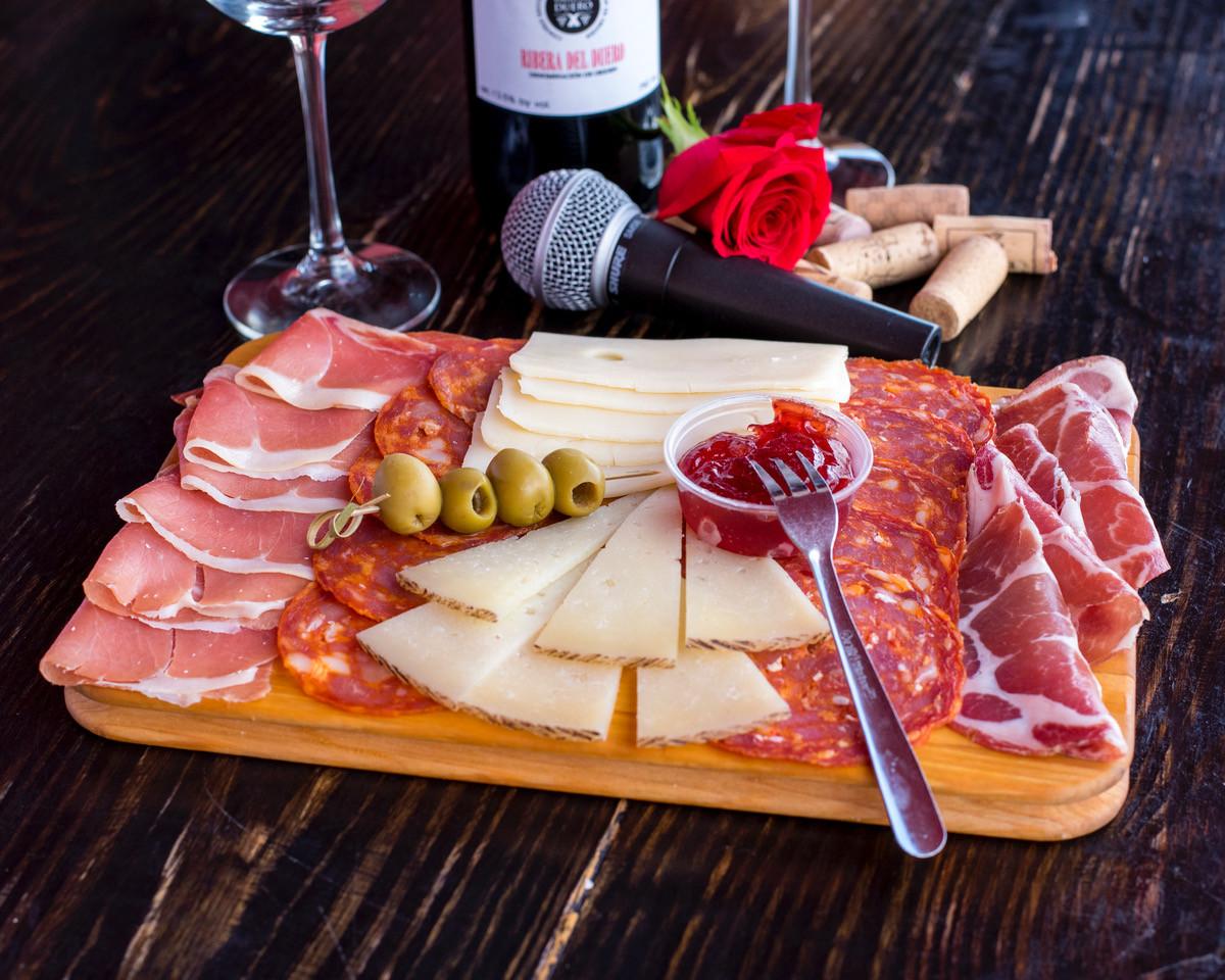 LaBogueditaTapasSteak&Wine_TablaMixta_na