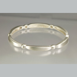 silver-scully-bangle-PopUp1