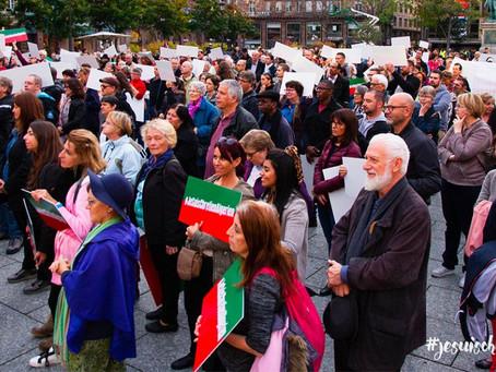 Actualités: Des centaines de personnes dans les rues pour être la « voix » des chrétiens algériens