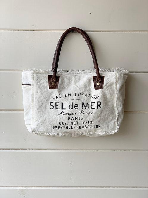 Charming White Shoulder Bag