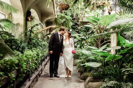 christchurch wedding bride and groom cunningham house
